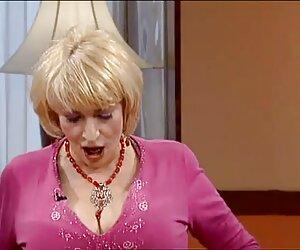 小屋,屁股的女同性恋润滑剂 色情明星视频